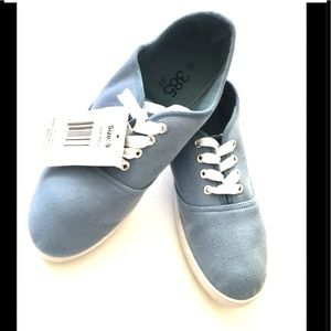NWT 385 Fifth Casual Canvas Shoes. Baby Blue 9